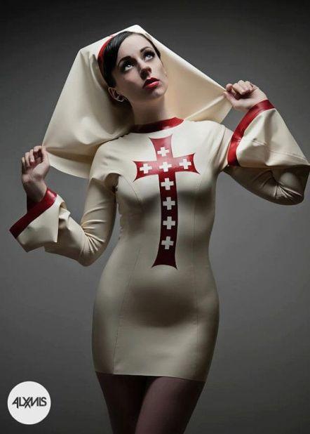 881b3ed3d72414638c28f9470d92af28--nun-outfit-ruby-jewel