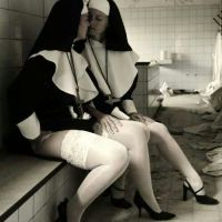 Monjas Sexis (122)